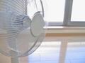 扇風機の電気代はいくら?エアコンや他の冷房器具と扇風機の電気代比較も!
