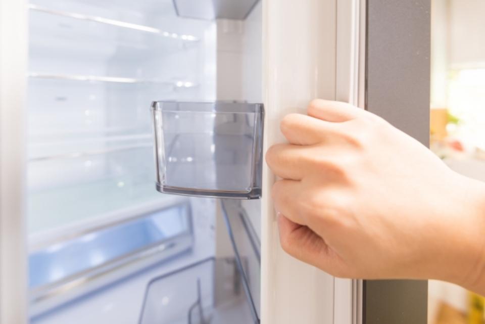冷蔵庫の掃除方法を徹底解説!掃除手順から頻度、掃除の役立ちアイテムまで