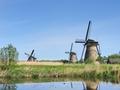 オランダのコンセントに変圧器は必要か解説!プラグのタイプや形状は?