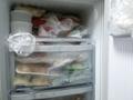 【まるっと掃除!】冷凍庫を掃除するポイントと方法を解説