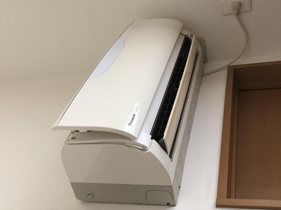 【自宅で作業】エアコンのフィルター掃除方法について解説