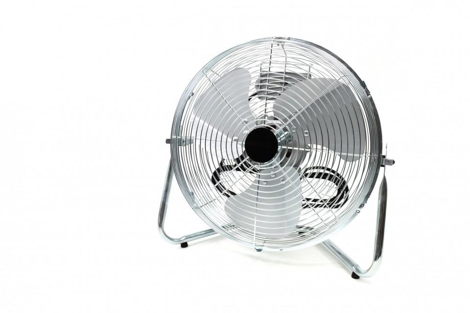 エアコンとサーキュレーターを一緒に使うとどうなる?節電効果はどれぐらい?