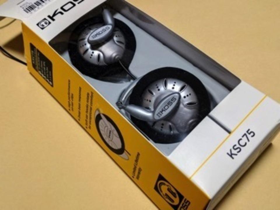見た目も音漏れも気にするな!最強コスパのオープンイヤーヘッドホンKOSS KSC75を徹底評価&レビュー!