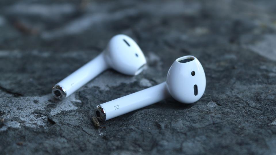 iPhoneのイヤホンはワイヤレスが当たり前!おすすめワイヤレスイヤホンはこれ!
