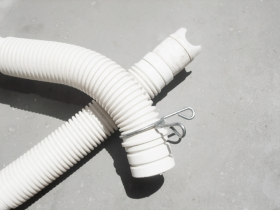 洗濯機の排水ホースを取り付けよう!排水ホースを取り付ける方法や費用は⁉