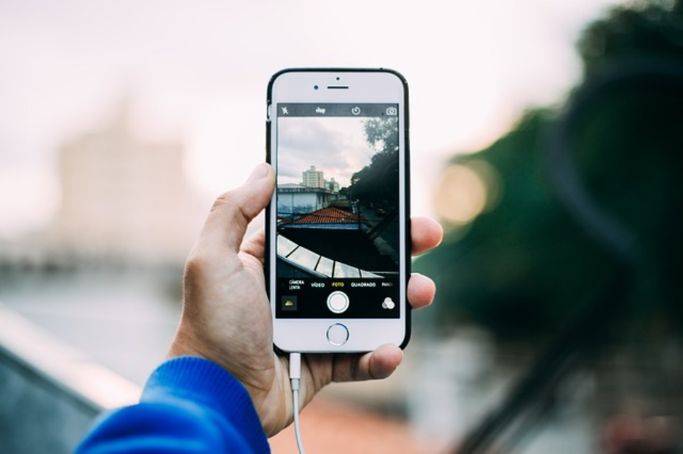 イヤホンの付け方をご紹介!iPhoneのイヤホンの付け方は世代ごとに違う⁉