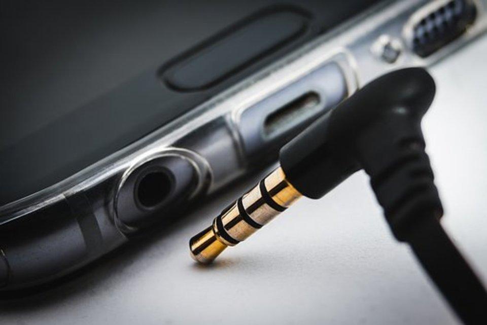 iPhoneがずっとヘッドホンモードのまま⁉解除の方法を教えて!
