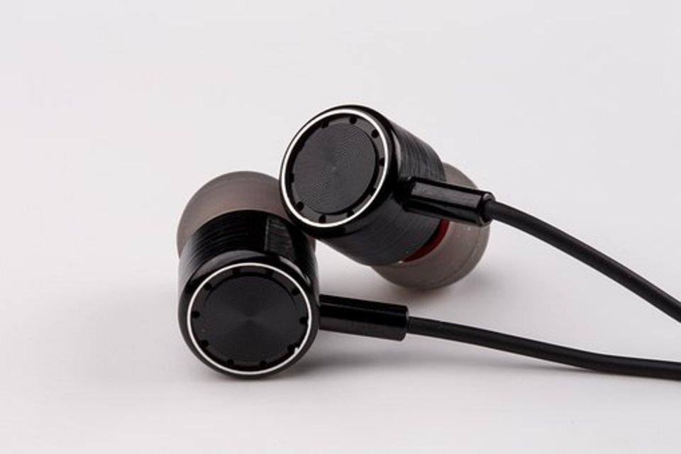 イヤホンが耳から合わない、、イヤホンが耳に悪い影響を与えないためにできること