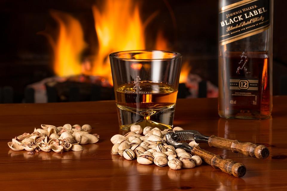 ウイスキーは冷蔵庫で保管しても良いの?ウイスキーの保管の仕方についてをご紹介!
