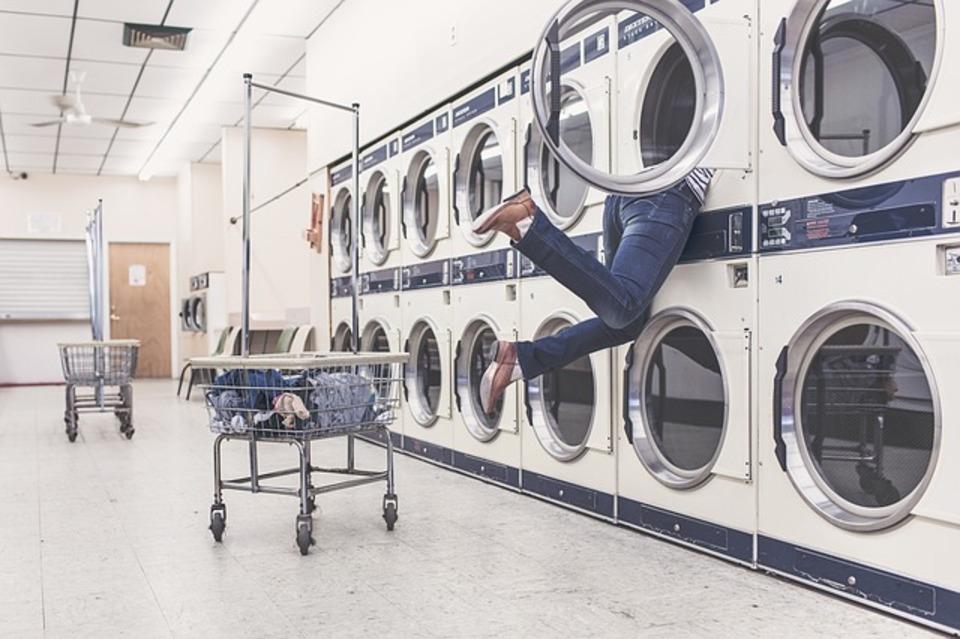 洗濯機でティッシュを一緒に洗ってしまった!どうすればティッシュを簡単に取り除けるの?