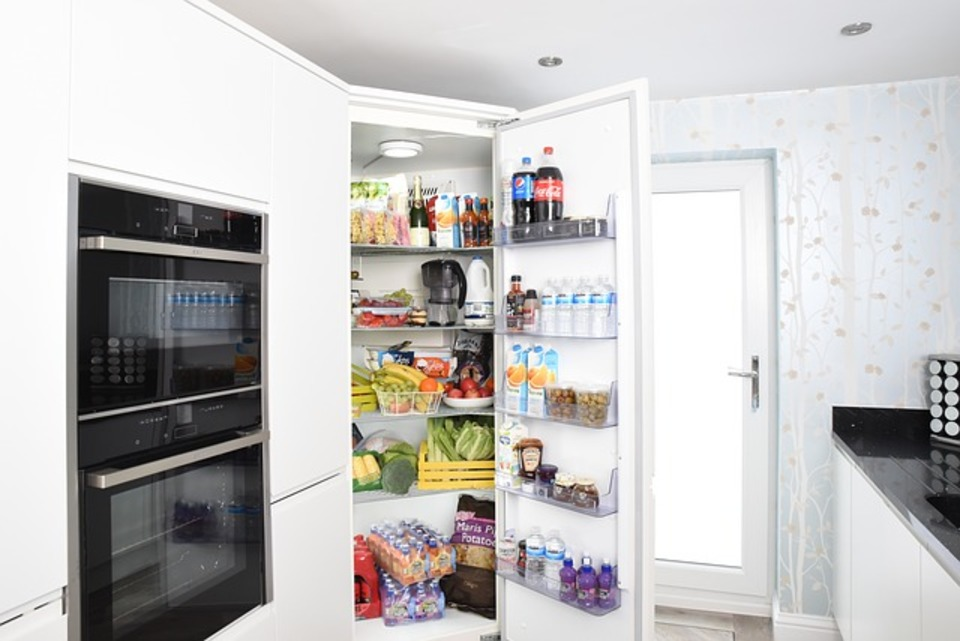 冷蔵庫の重さはどのくらい?自分で動かす事は可能?