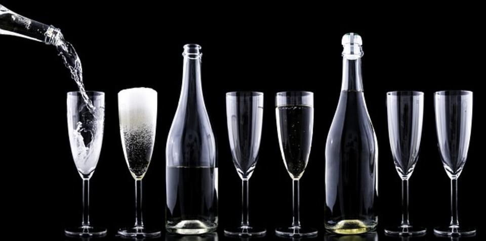ワインを冷蔵庫で保存したい!保存方法や賞味期限