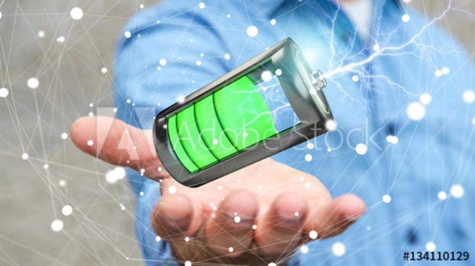 スマホの充電が遅いのはなぜ?原因や対処法を紹介!