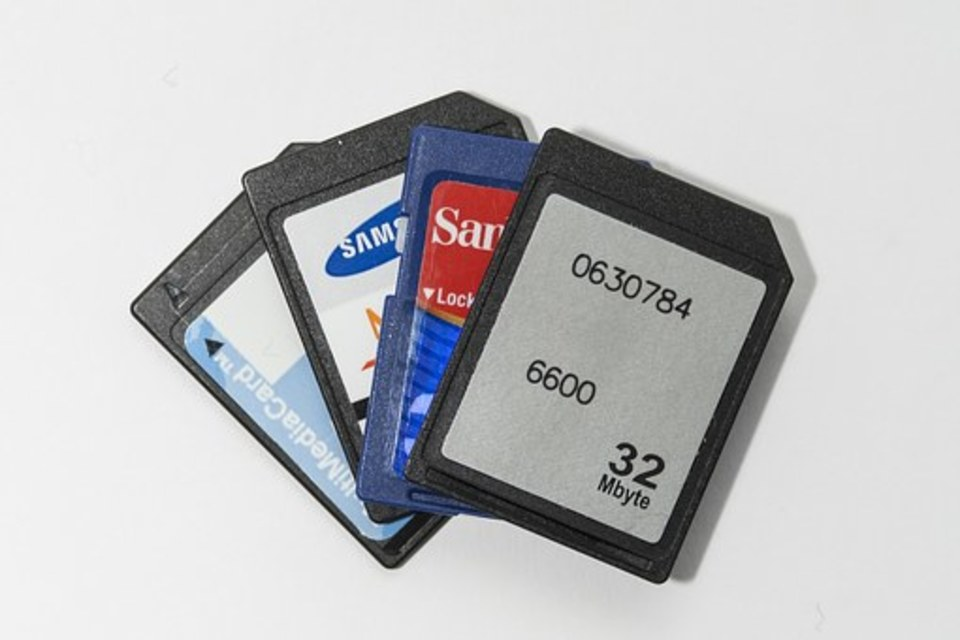 スマホのsdカードの交換方法をご紹介!交換の目安とは?
