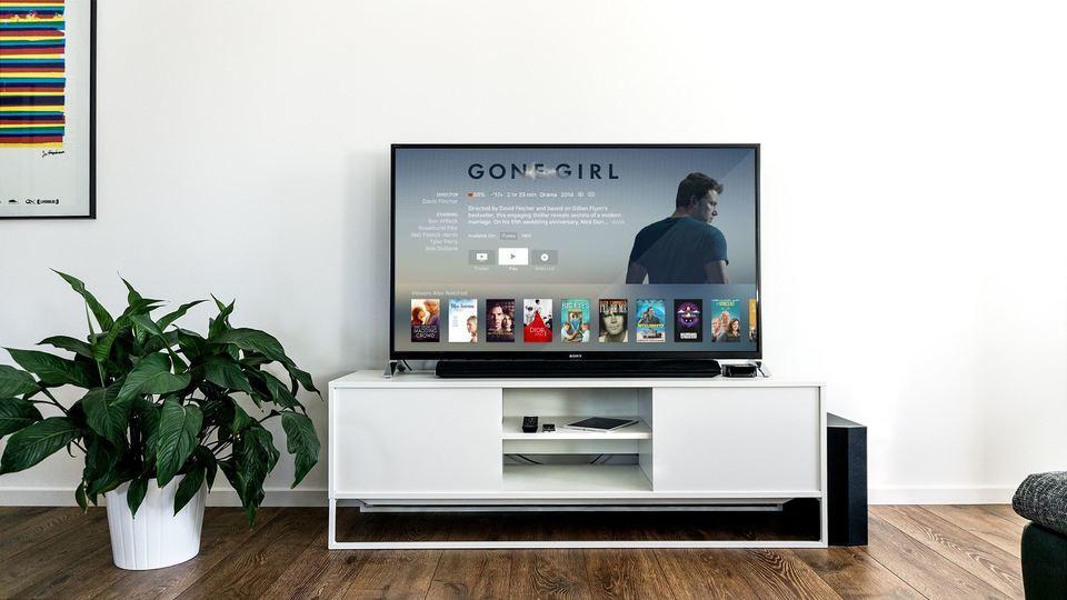 テレビコードとは?youtubeをテレビで見る方法を解説!
