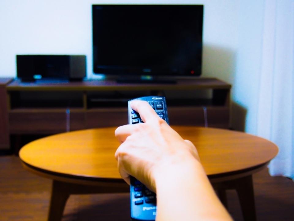 テレビの電源が入らない!テレビの電源ボタンが点滅しているのは関係あるの?