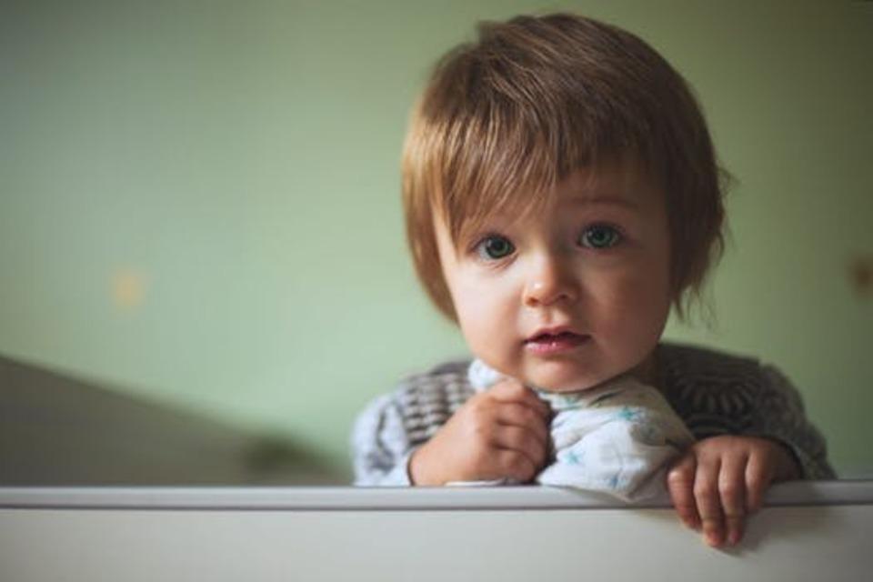 赤ちゃんへのドライヤーはいつから使うべき?音が好きでも危険!