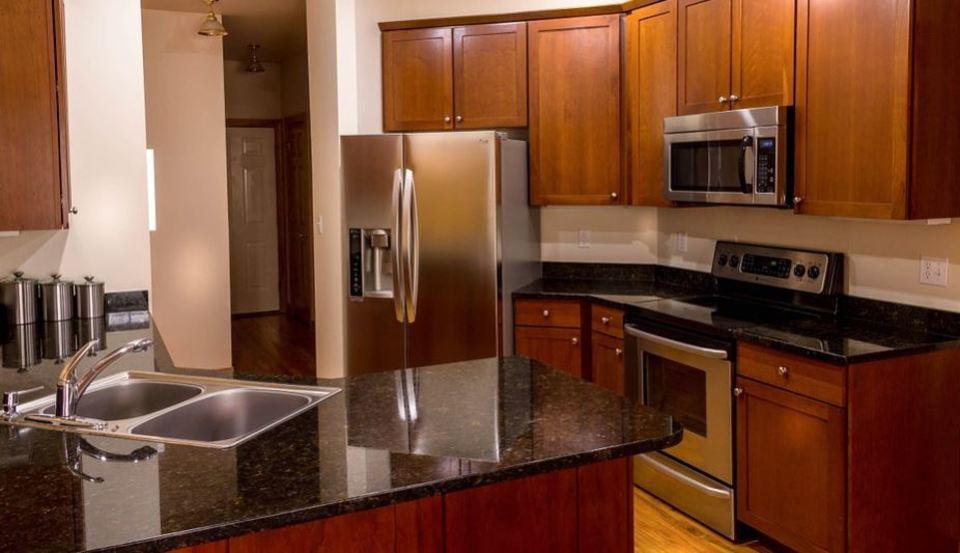 冷蔵庫の側面が熱い原因は?冷えない時の対処法を徹底紹介!