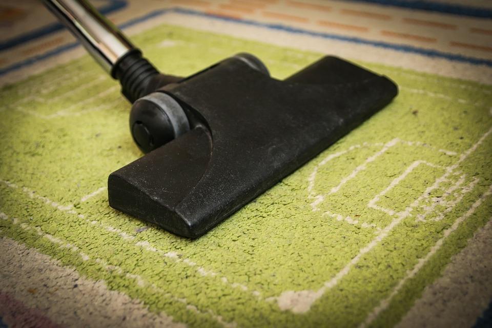 掃除機をかける時間帯は朝から夜何時までが常識?マンションの場合は?