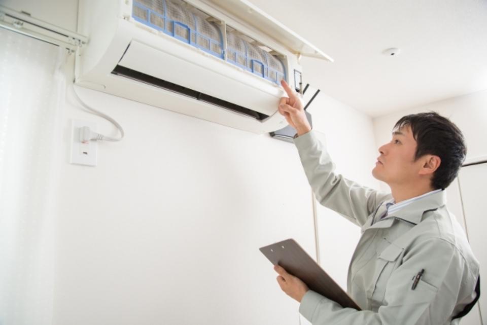 エアコンの取り外しの料金や費用を解説!相場や無料のリスクとは?