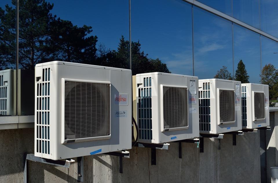 エアコンの室外機の音がうるさい原因と対策!メーカー別の特徴も!