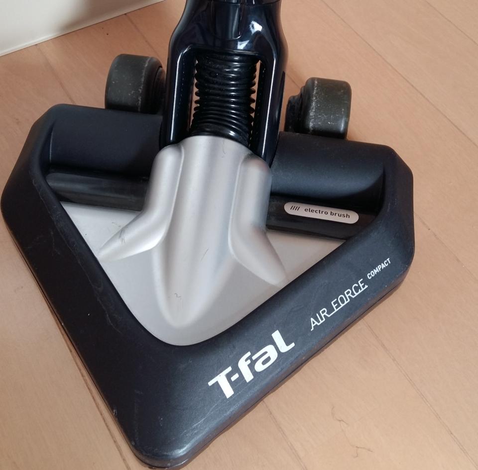 ティファールの掃除機の特徴とは?充電器や故障/修理時の対処、口コミを紹介!