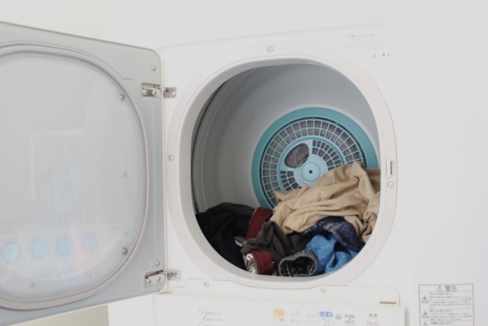 衣類乾燥機の電気代は安い?除湿機などと徹底比較!1回でいくら?