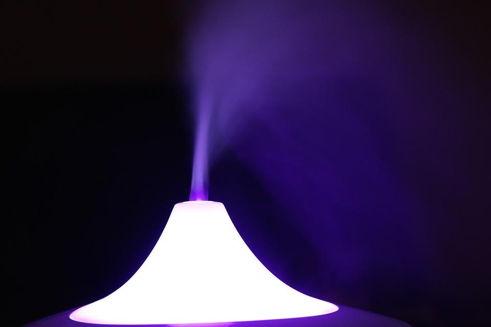 おすすめ人気のアロマオイルと加湿器!適切な量や使い方も紹介!