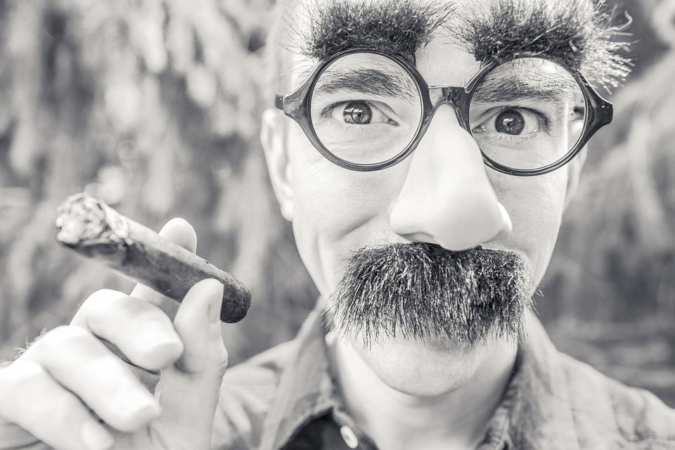 【メンズ必見】眉毛シェーバーの使い方を徹底解説!