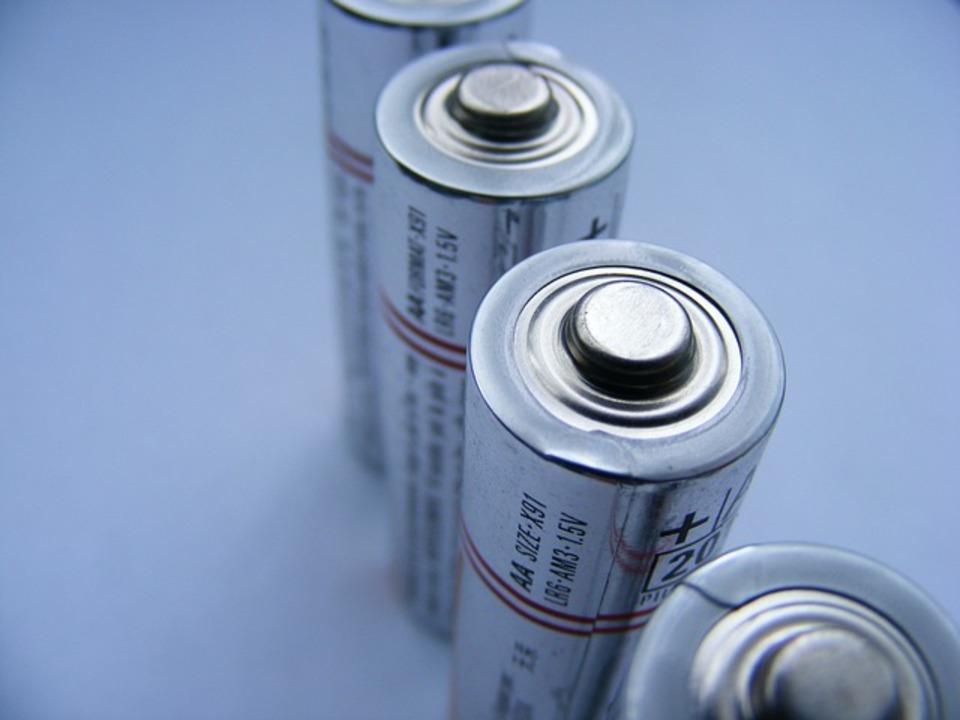 aa 電池,2 aa 電池