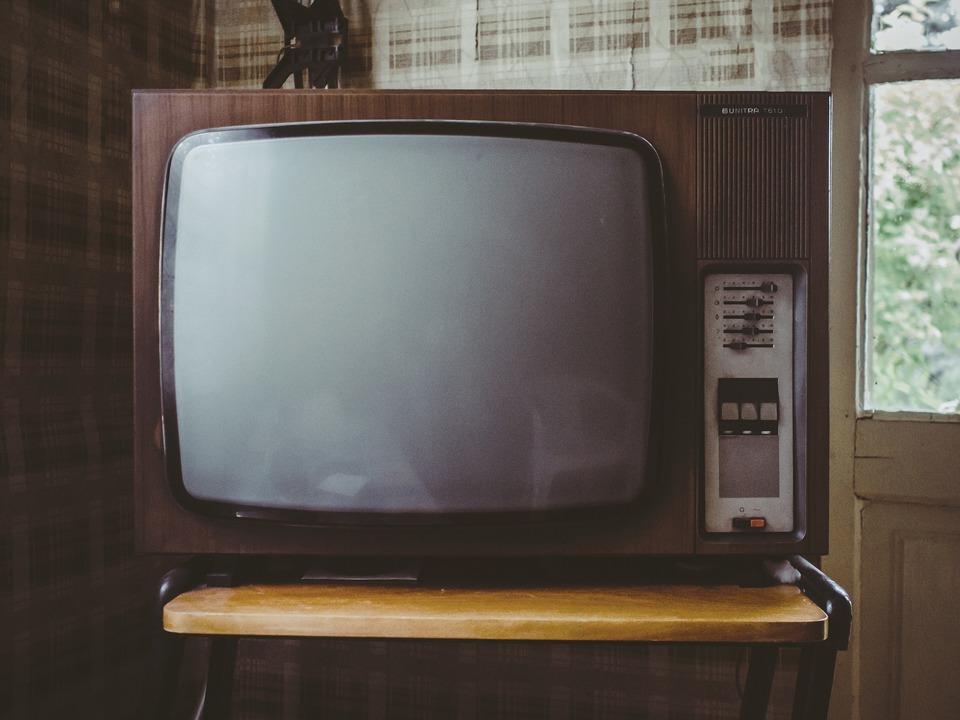 汎用テレビリモコン