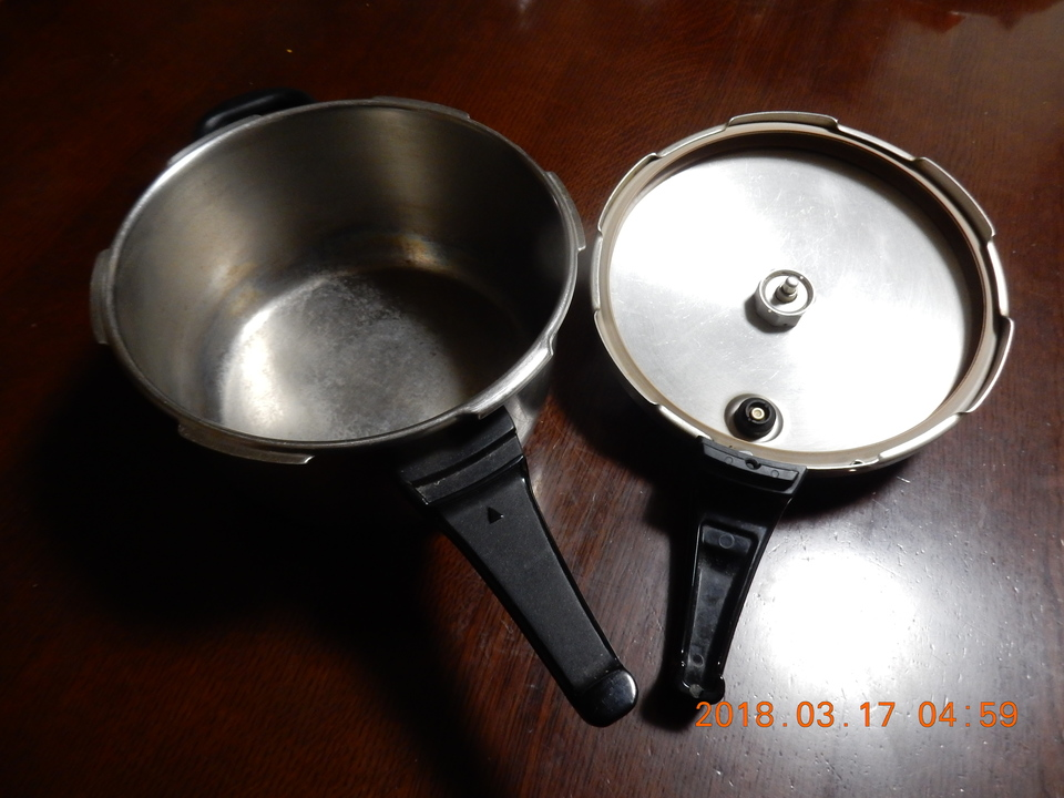 圧力鍋のふたの裏側