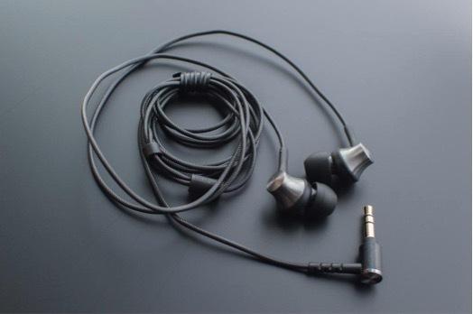 MDR-EX650 ヒラノ01