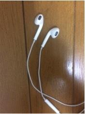 EarPods 小バク03