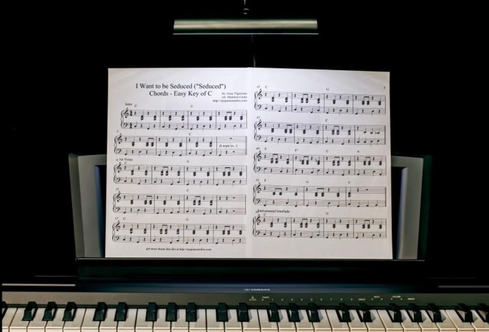 電子ピアノのペダルが故障?
