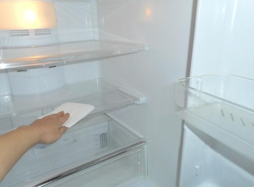 冷蔵庫拭く