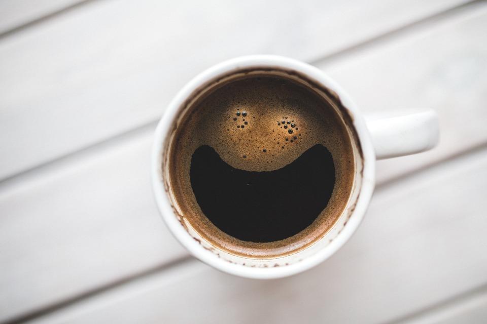 おしゃれ 電気ケトル コーヒー スマイル 朝 カフェ