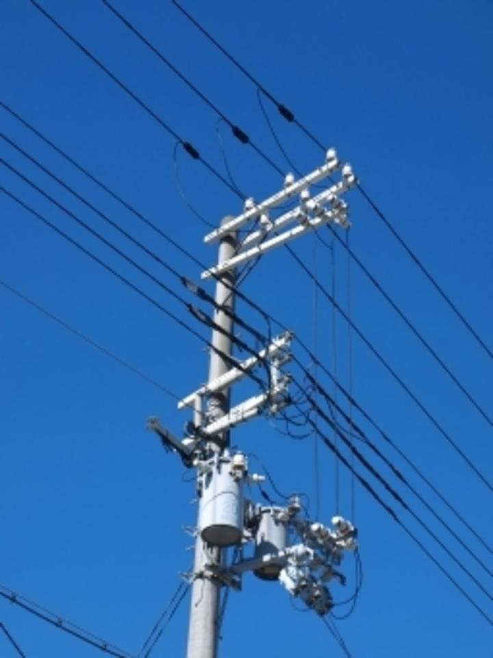 アース オーブン レンジ アース線 コンセント 電柱