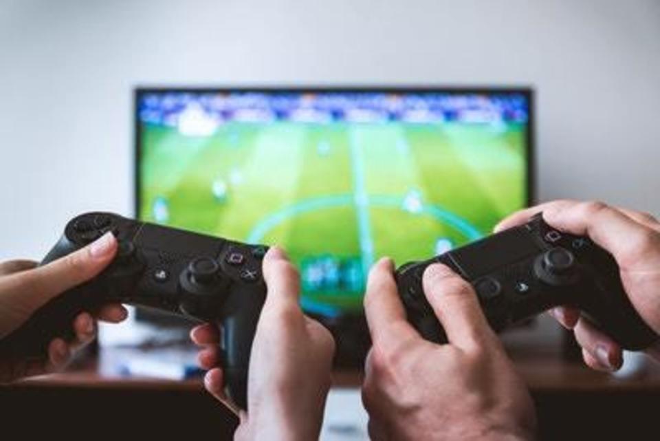 PS4 ゲーム イヤホン 有線 無線 おすすめ ゲーミングマイク 接続 設定 方法