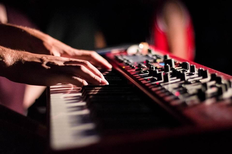 電子 ピアノ イヤホン