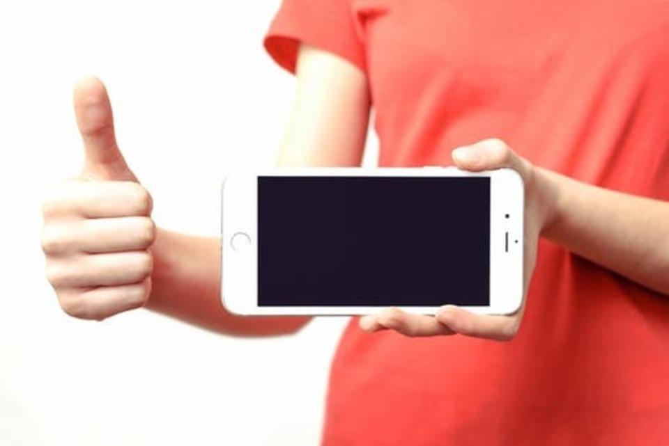 iPhone 付属 純正 イヤホン 便利 使い方 操作 方法