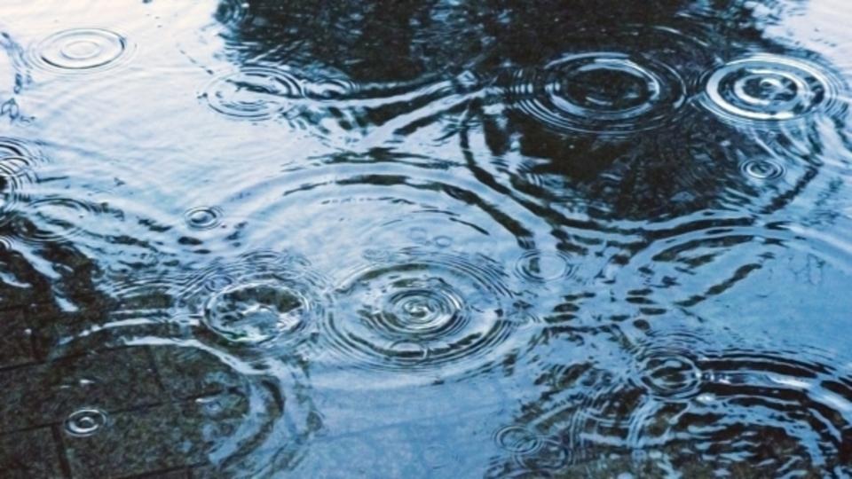 ランニング イヤホン 雨 湿度 防水 IPX