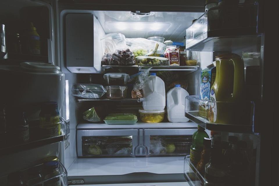 冷蔵庫 アース