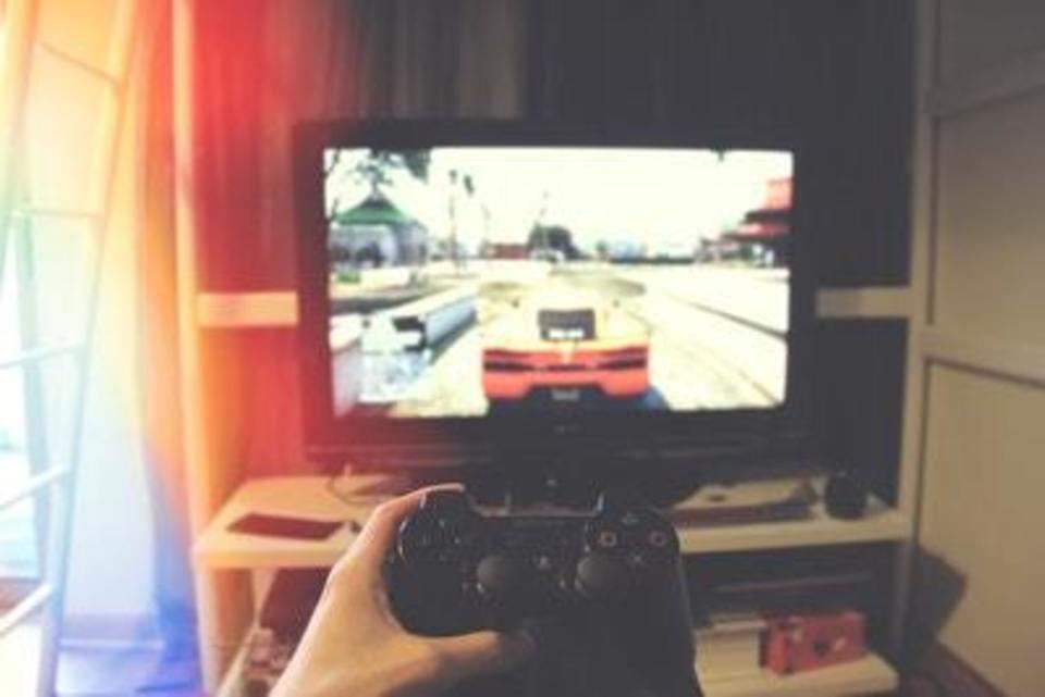PS4 サラウンドヘッドホン おすすめ 解説 商品