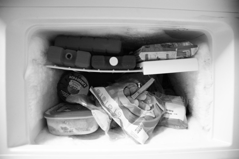 冷蔵庫 凍る