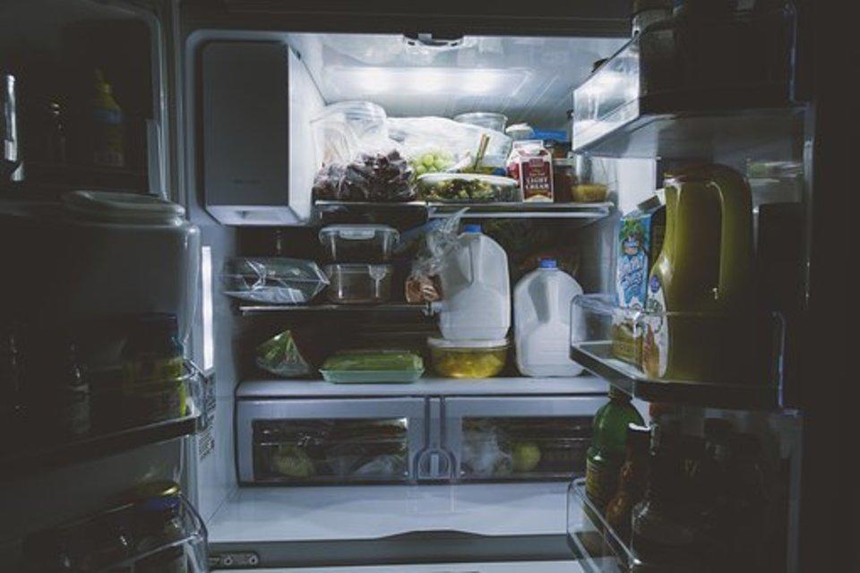 冷蔵庫 霜取り お湯