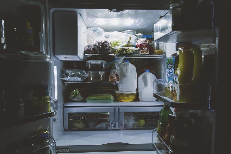 冷蔵庫 水 漏れ