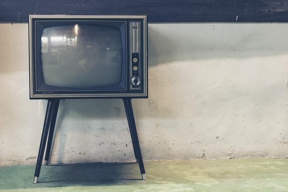 テレビ 映ら ない 突然