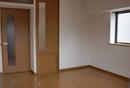 赤坂3丁目にある1Kタイプのお部屋です。バストイレ別で脱衣所スペースも取れます。