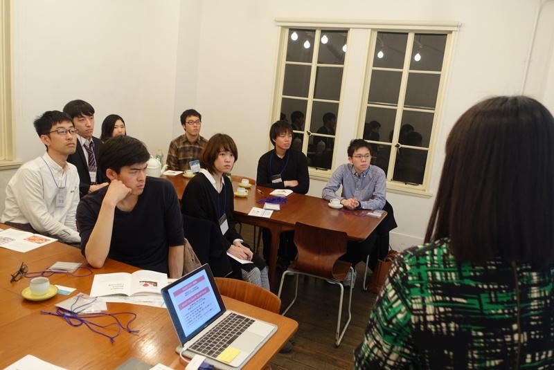 発達障害、不登校児の才能を伸ばすBranchのメンター交流会で福本理恵さんの話を聴くメンターたちの様子